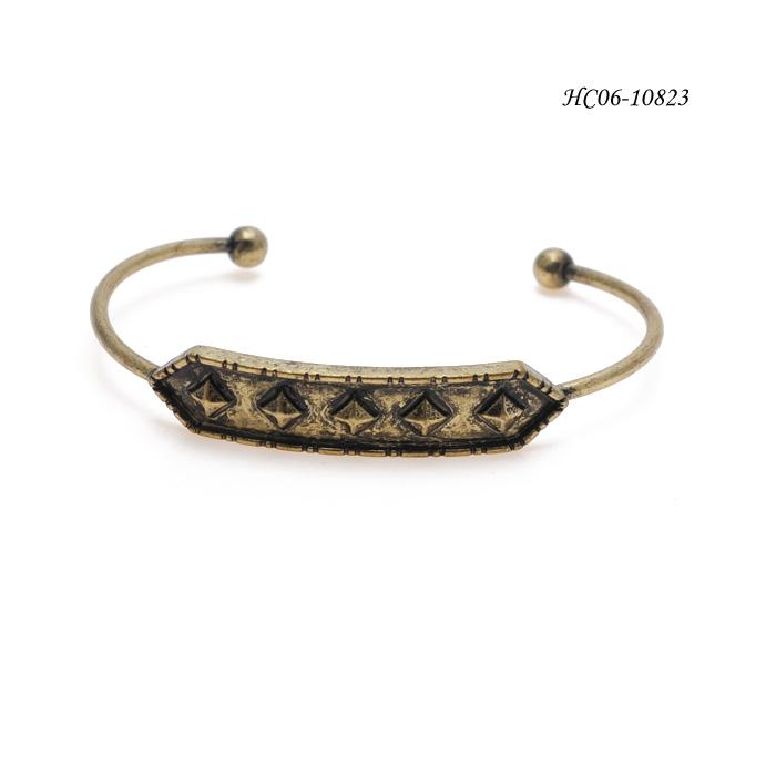 Bangle Cuff  HC06-10823