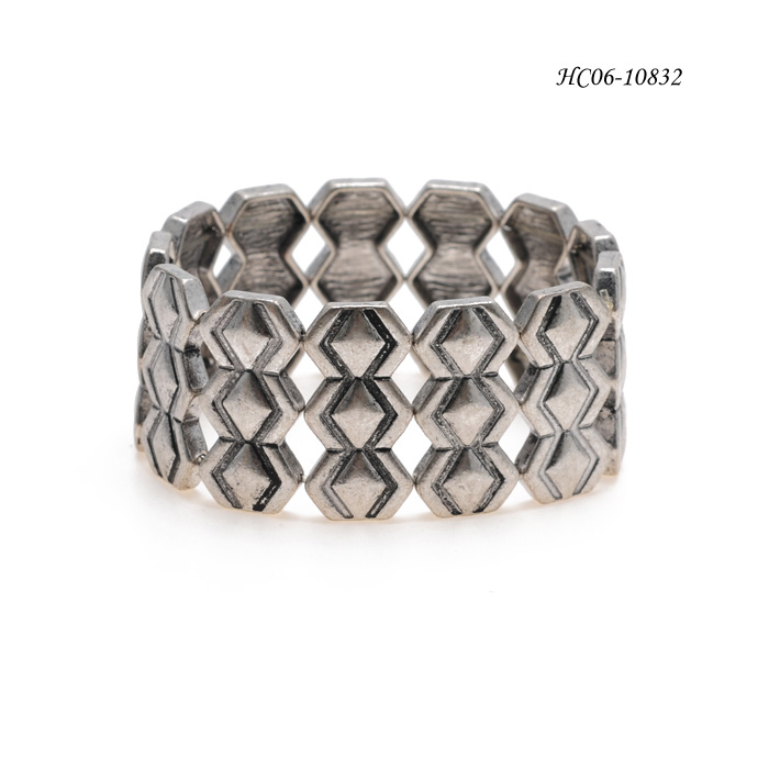 Bangle Cuff  HC06-10832