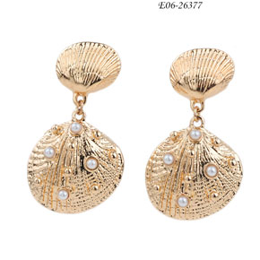 [Fashion accessory factory]Tassel earrings are your ultimate beauty